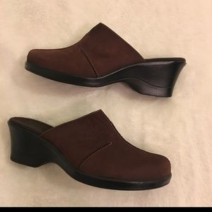 Clarks brown suede mules clogs